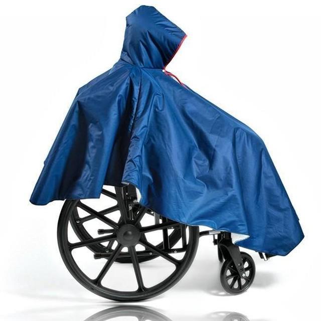 Poncho-pour-fauteuil-Roulant