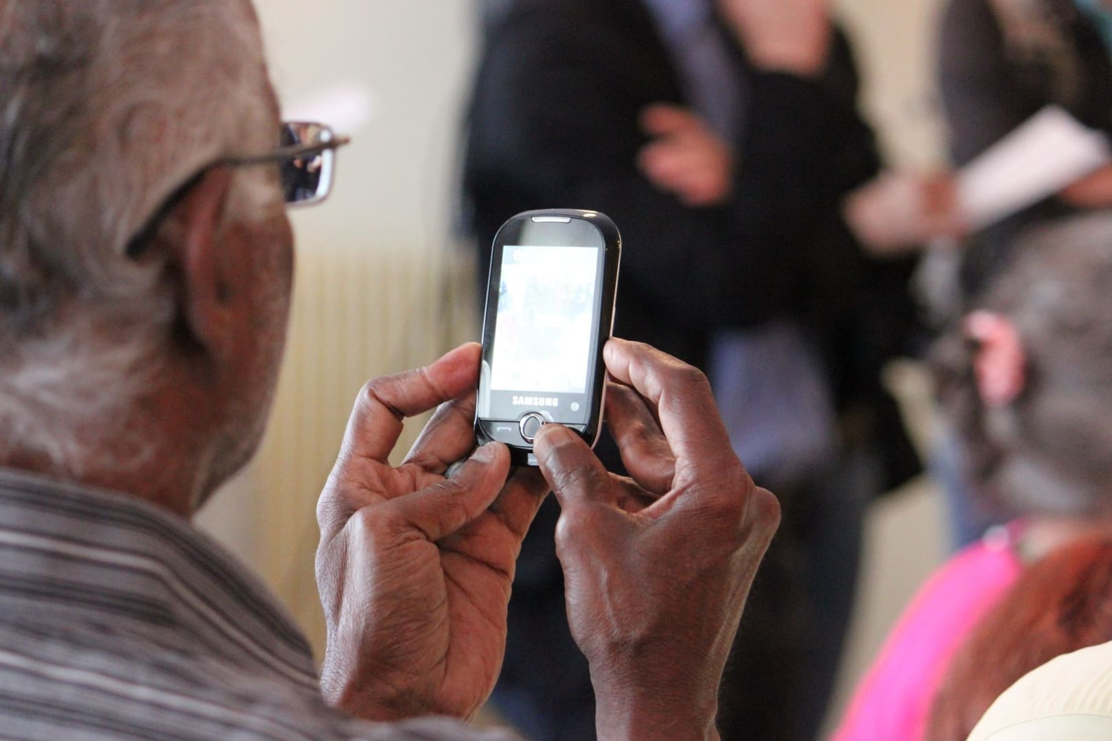 meilleur-smartphone-pour-senior.jpg