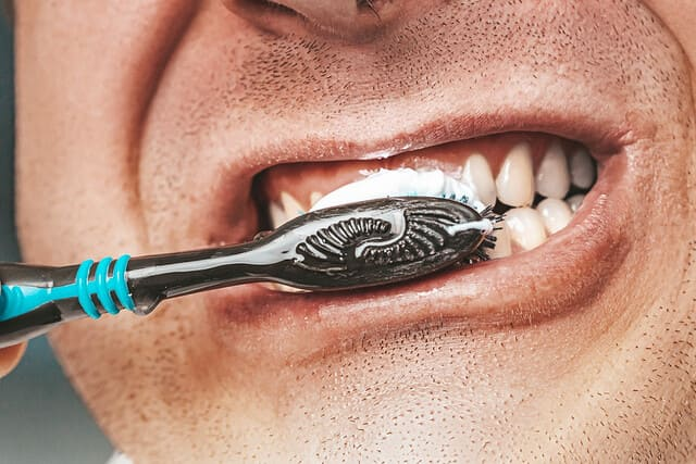 Dentifrice-pour-adultes