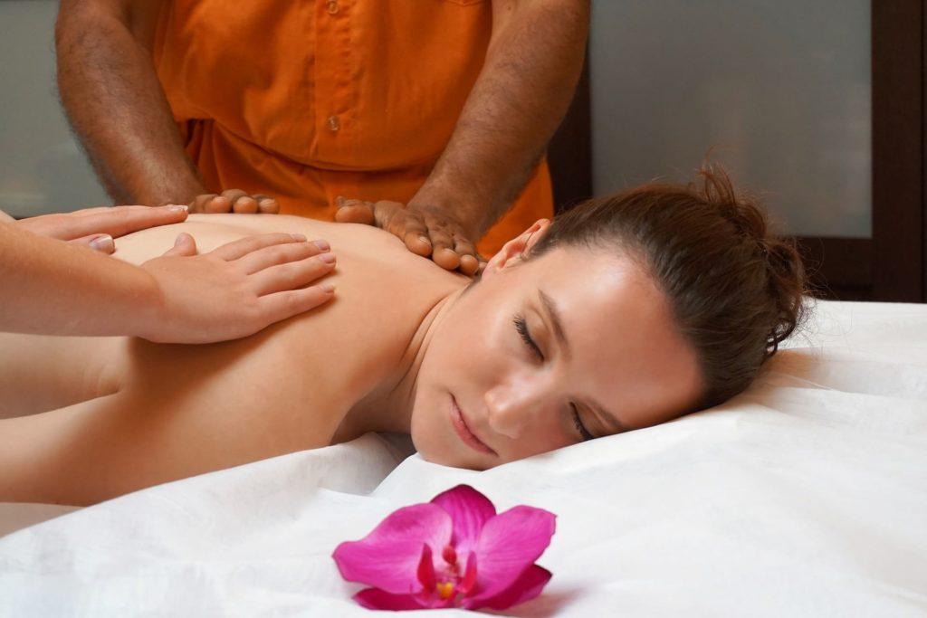 bienfaits-du-massage-pour-satisfaire-le-corps-et-lesprit