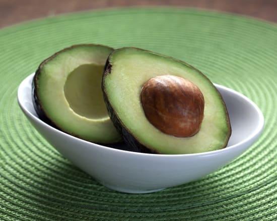 Avocat-il-reduit-le-taux-de-cholesterol
