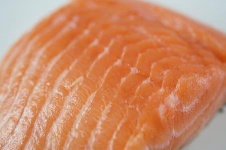 Saumon-aliments-qui-stimulent-la-serotonine